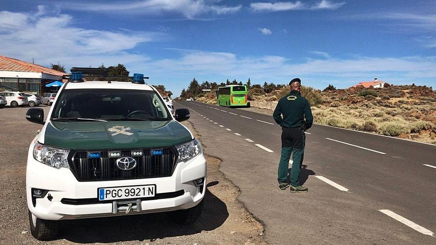 La Guardia Civil se despliega en el Teide para evitar botellones y carreras ilegales