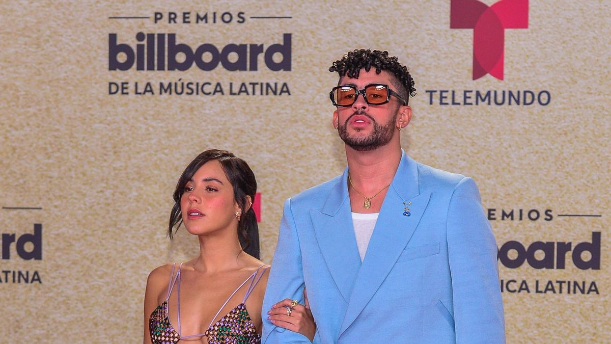 Bad Bunny se presentó en los Billboards a la Música Latina con su novia.
