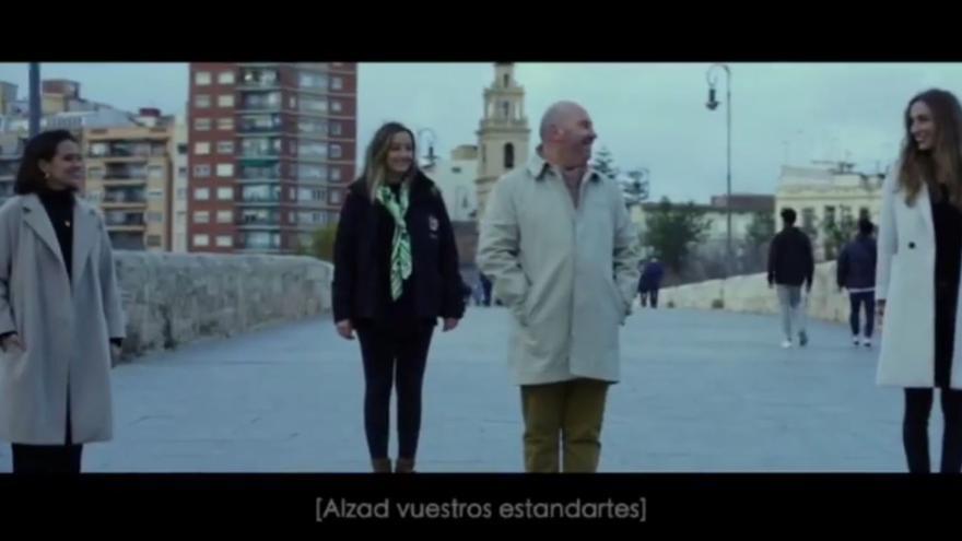"""El emotivo cortometraje """"Records"""" del peluquero Carles Ruiz para las Fallas 2021"""