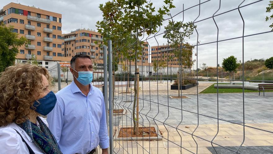 El PP critica que Ros invierta en la pasarela antes que en el centro de salud
