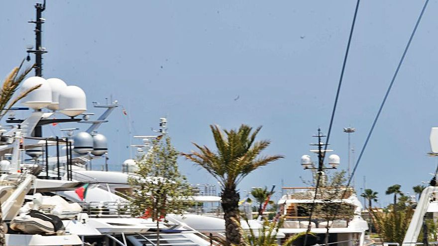 Una empresa de barcos de carbono se instala en la Marina