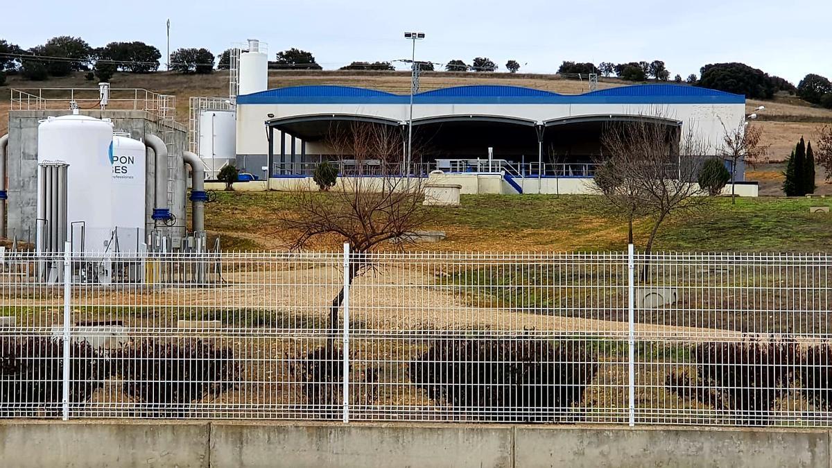 Estación depuradora de agua potable de la Mancomunidad de Benavente y los Valles en Sitrama de Tera.