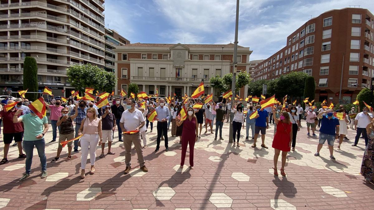 Imagen de la concentración de esta mañana en la plaza María Agustina de Castelló.