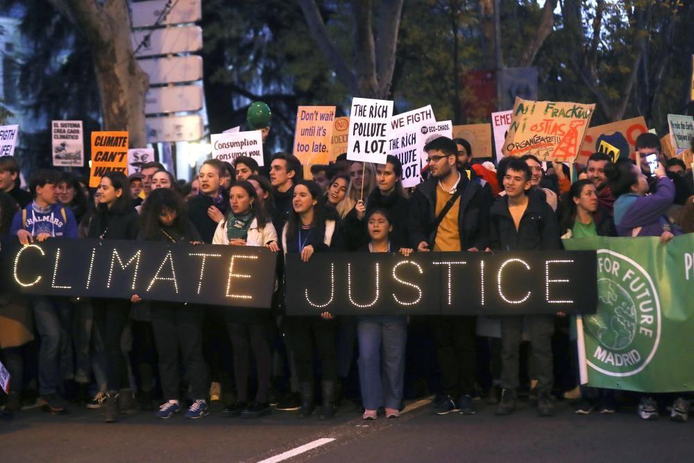 Multitudinaria marcha por el clima en Madrid.