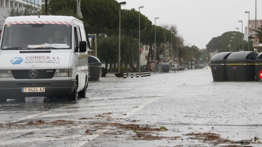 El temporal dificulta la recerca de l'home desaparegut a Palamós