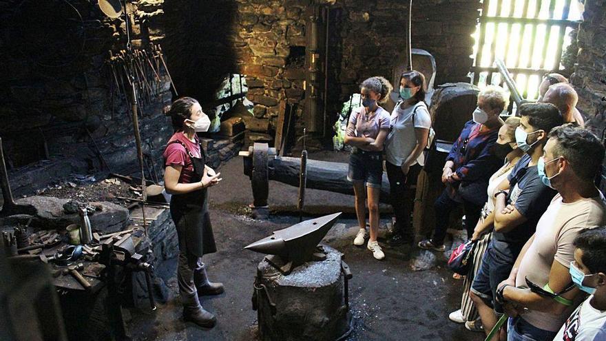 Los ferreiros de Mazonovo salvan el verano y seguirán activos hasta Navidad