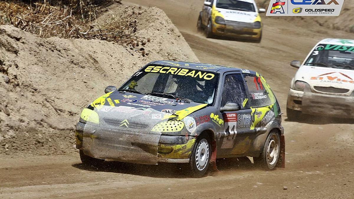 Cristian Escribano e Iván Cordero, en la competición disputada en el circuito Cerro Negro. / CEAX