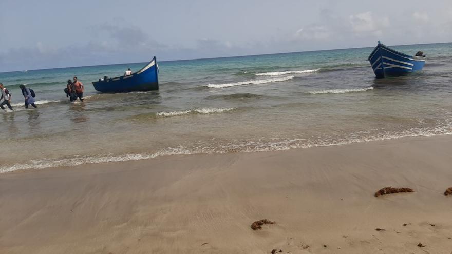 Dos pateras llegan a Lanzarote con 76 migrantes