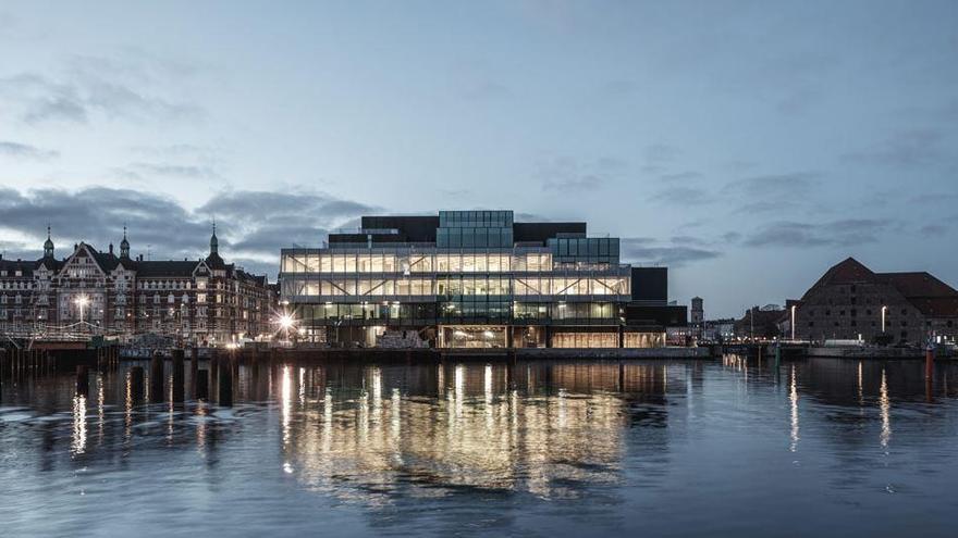 Dinamarca confirma un brote de más de 60 casos entre empleados de un matadero