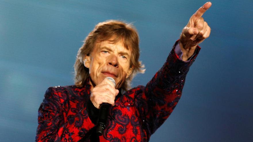 Relacionan a Mick Jagger con una chica 52 años más joven que él