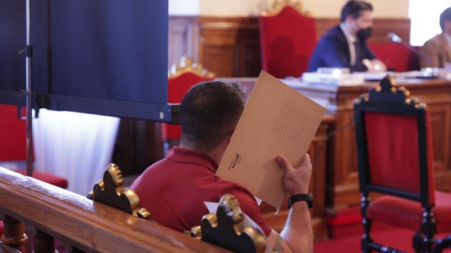 El TSJA anula la sentencia de los incidentes del derbi en El Molinón por un defecto de forma