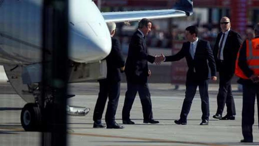 Cameron suspende su mitin en Gibraltar por el ataque