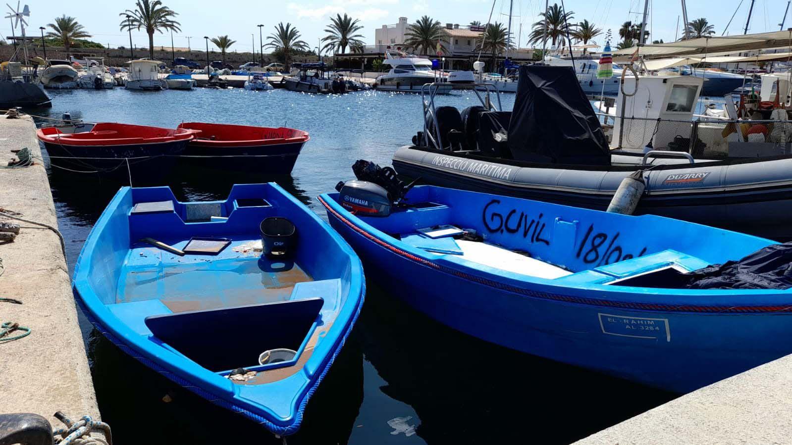 Traslado de los migrantes llegados en patera a Formentera hasta Ibiza