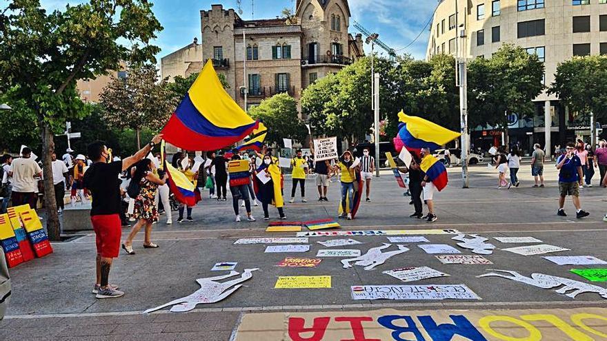 Colombians porten al carrer la preocupació pel seu país