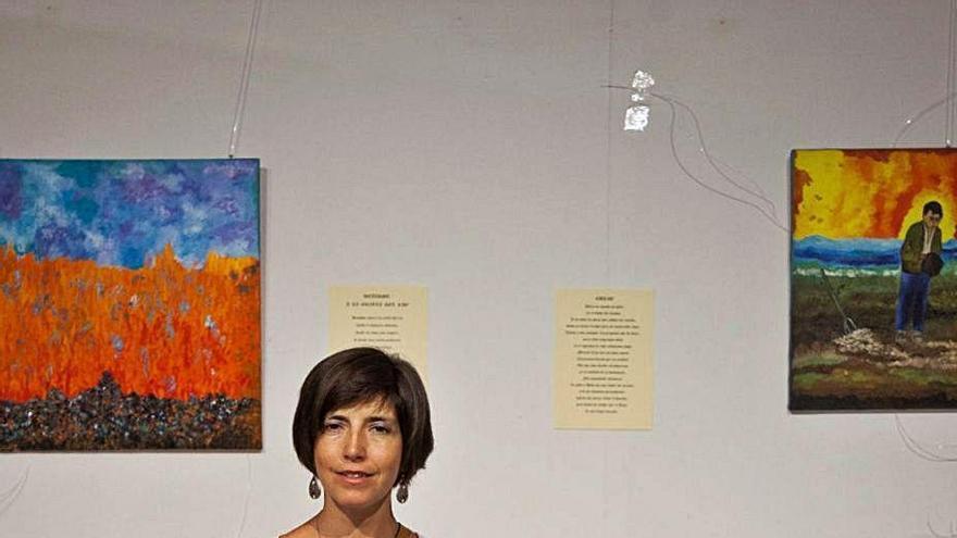 """Carmen Alonso, artista de Zamora: """"Intento unir el sentimiento de la pintura con el de la poesía"""""""