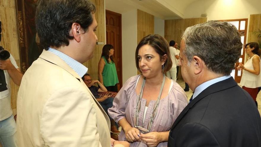El PSOE se reúne con Fuentes para analizar el proyecto de presupuestos