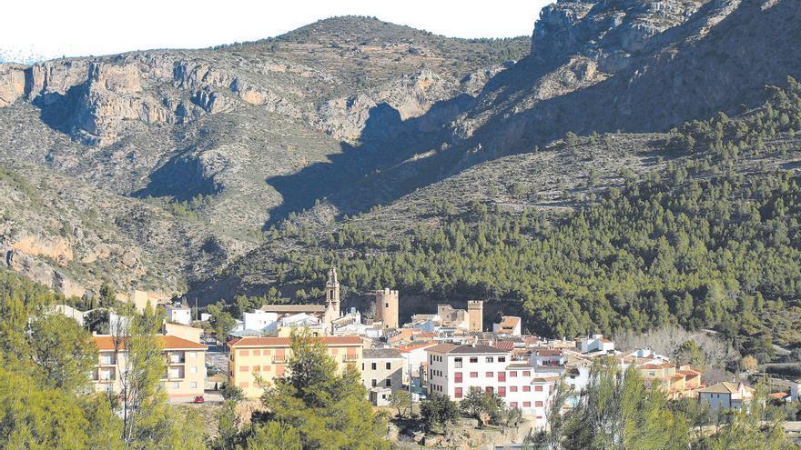 Argelita, el pueblo de las dos torres