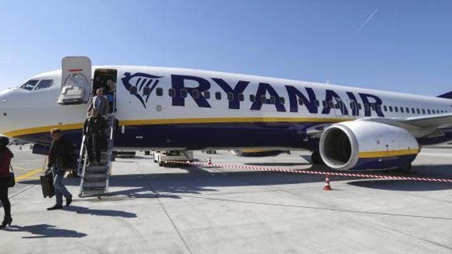 Desviado a París un vuelo de Dublín a Ibiza por 20 pasajeros borrachos