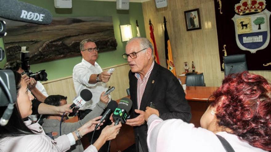 """""""Mi abuela me decía que estaría de  alcalde en La Oliva hasta los 102 años"""""""