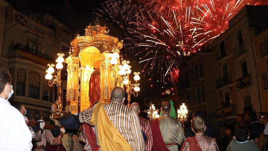 GALERÍA | Onda rinde honores al Salvador con misa y procesión en el primer domingo de Fira
