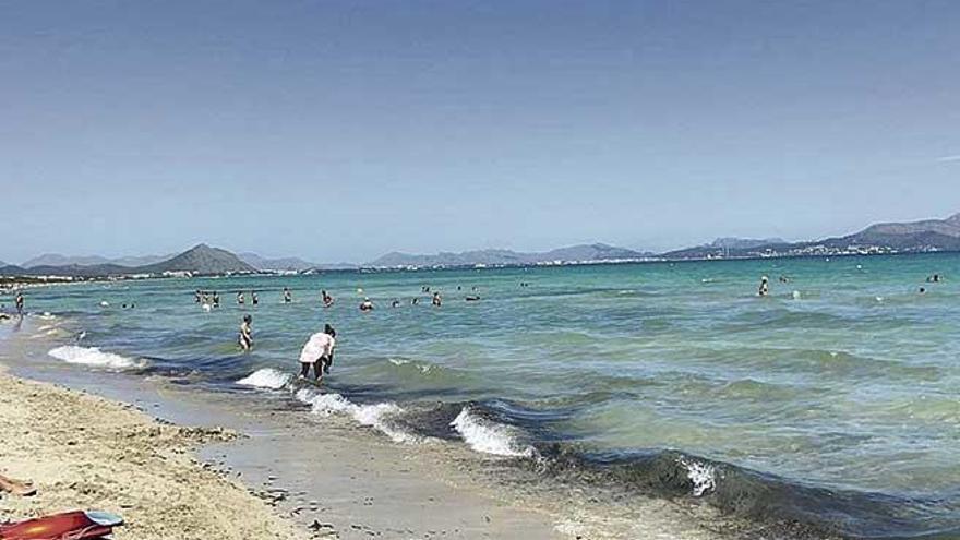 Cerrado un tramo de la playa de es Capellans tras detectar fecales