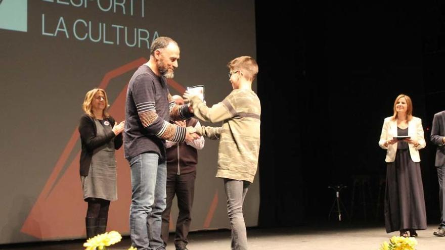 La Nit de l'Esport i la Cultura de Calaf premia les trajectòria de Luciano Grados i Teresa Escolà