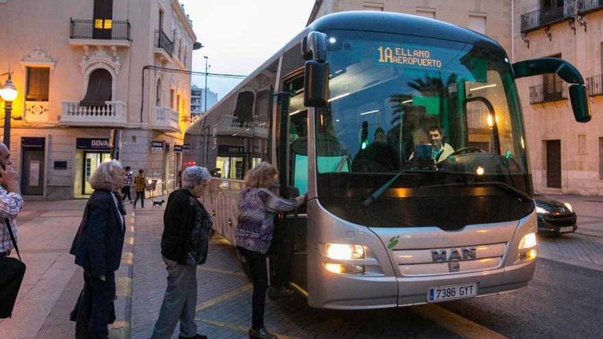 Varias líneas de autobús a las pedanías retomarán las frecuencias habituales a partir de mañana