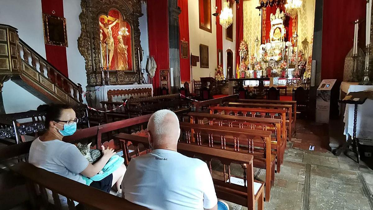 Detalle del interior del recinto religioso que acoge a la Virgen de las Nieves. | | E.D.