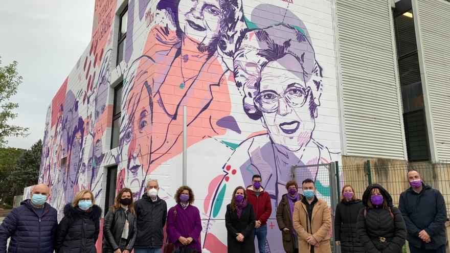 Catarroja inaugura un mural de mujeres que han hecho historia