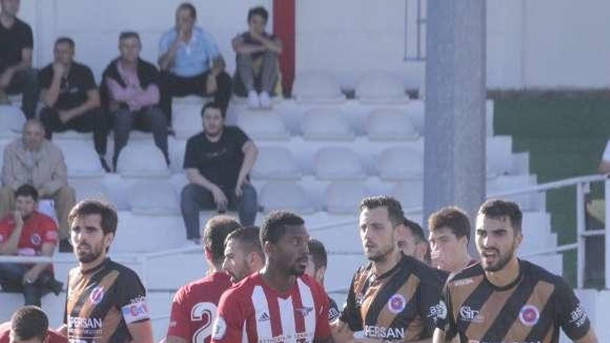 La UD Ourense se abona al 1-1 fuera