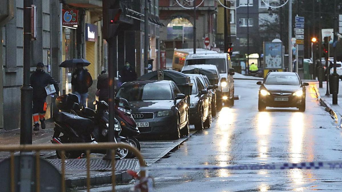 Aspecto de la calle La Muralla en la primera jornada de cierre al tráfico. | R. Solís