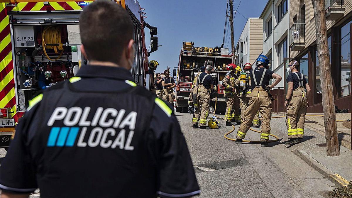 Incendi sense ferits en un edifici de Vidreres  | DAVID APARICIO