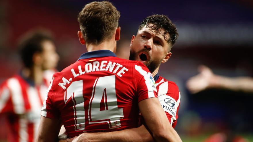 Llorente y Suárez dan la victoria al Atlético frente al Athletic