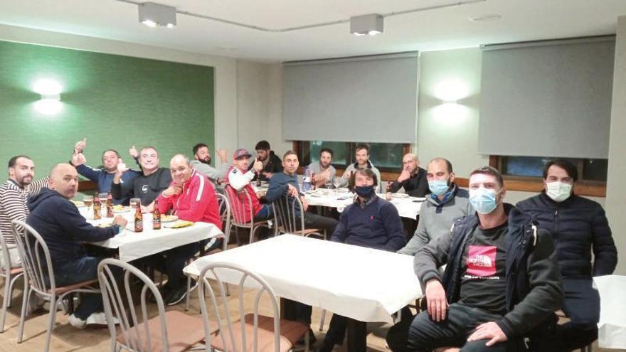 Los peregrinos del Camiño da Geira reactivan la hostelería de Tabeirós-Montes pese al coronavirus