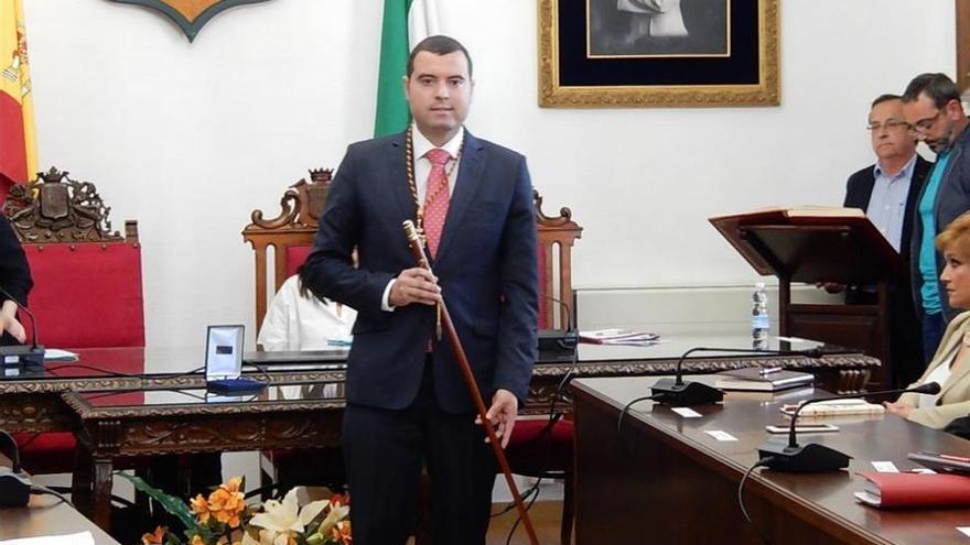 El nuevo alcalde socialista de Priego conforma el nuevo gobierno
