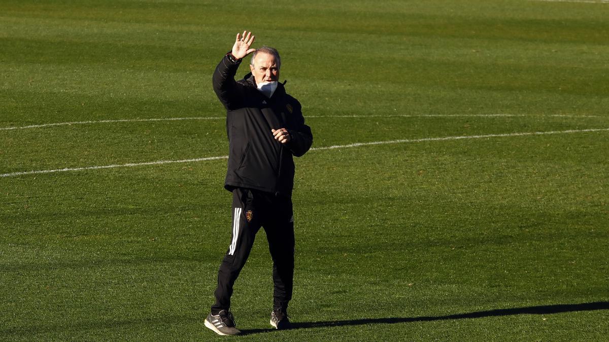 Juan Ignacio Martínez, durante un entrenamiento del Real Zaragoza en La Romareda.