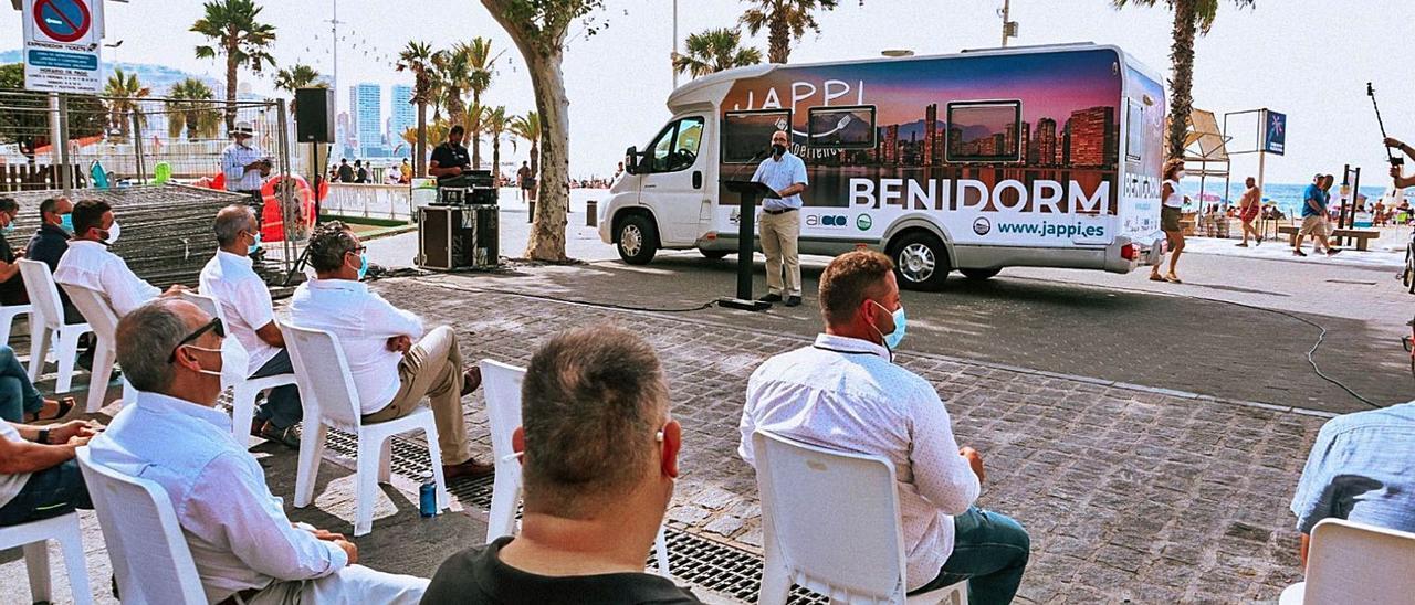 Presentación de los paquetes vacacionales impulsados por las asociaciones de empresarios de Benidorm. | INFORMACIÓN