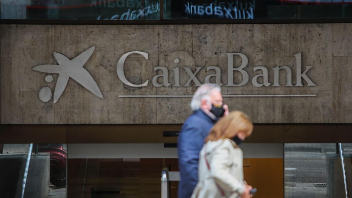 CaixaBank plantea 942 despidos en la C. Valenciana en el mayor ERE de un banco