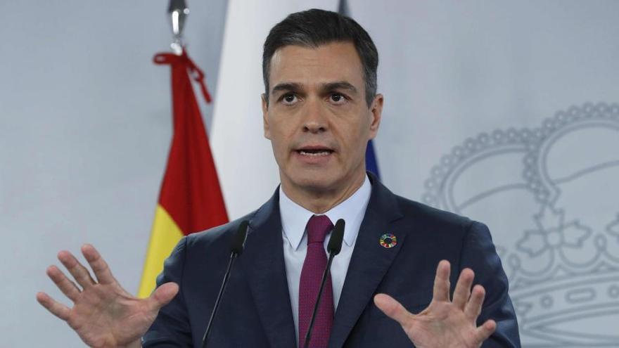 Sánchez defiende la solidaridad de toda España ante los migrantes en Canarias
