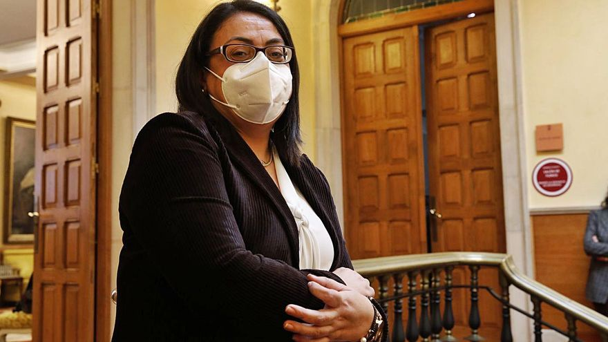 Amada Corces toma posesión ante la Alcaldesa como nueva vicesecretaria municipal
