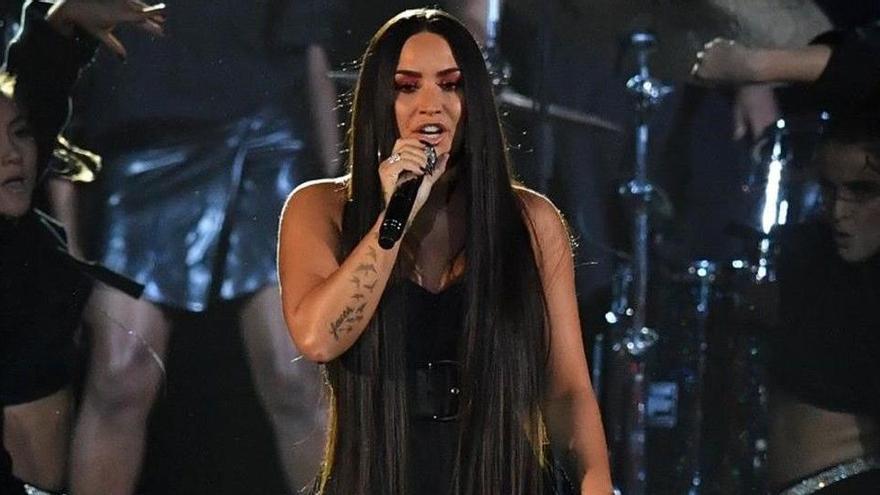 Demi Lovato va tenir un infart i tres vessaments després de la sobredosi