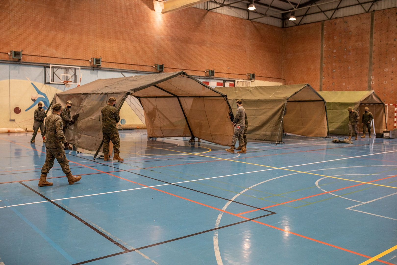GALERÍA  Preparativos del cribado de Santa Elena en la ciudad deportiva, en Zamora capital