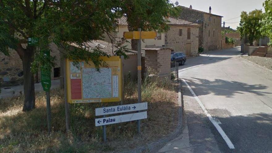 Un grup de veïns s'oposa  a la reobertura  de l'escola de Palau de Santa Eulàlia