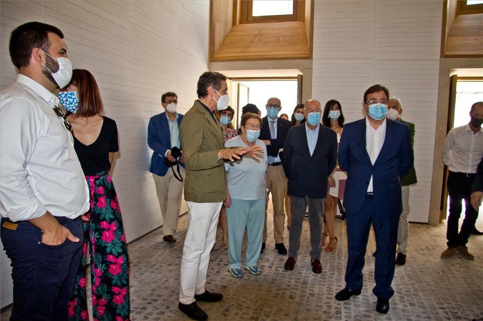 Autoridades visitan las instalaciones del Helga de Alvear