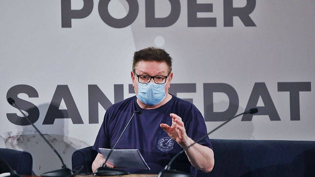 Manuel Molins, dimecres passat en el Principal en un debat sobre «Poder i santedat».   M.Á.MONTESINOS