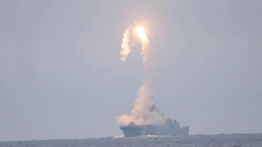 Rusia prueba con éxito un misil de crucero hipersónico