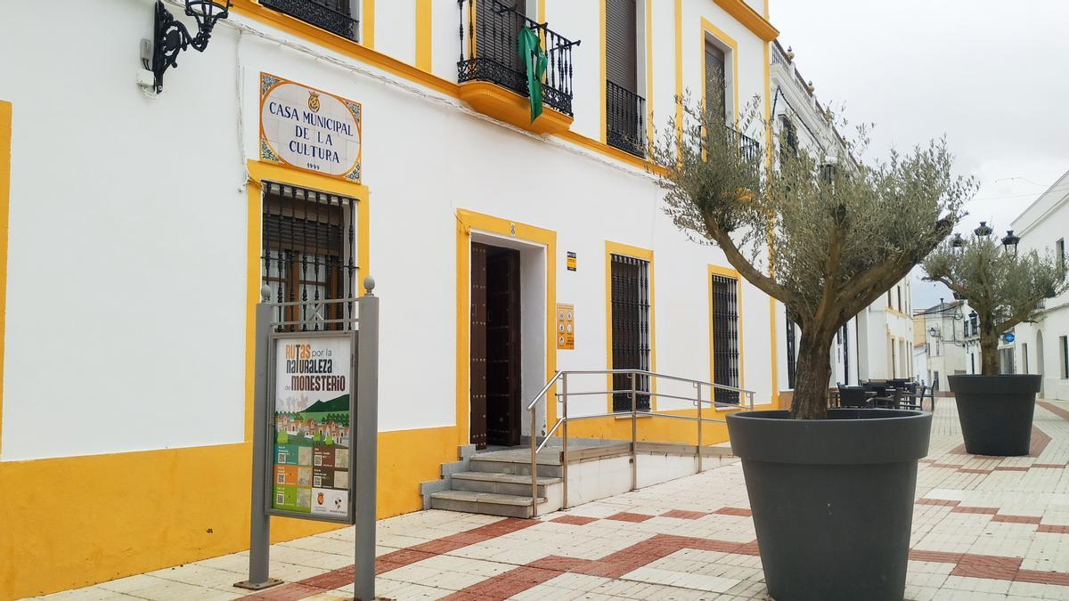 Fachada de la casa de la cultura sede de la Universidad Popular