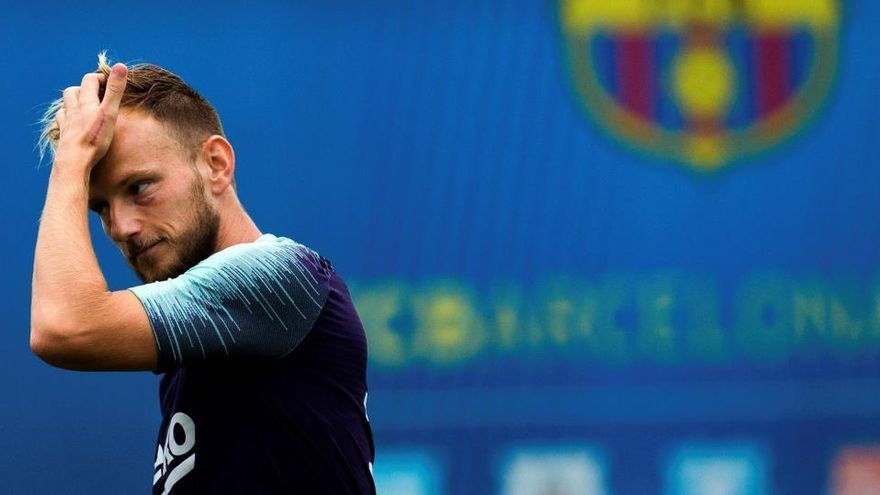 El Barça traspassa Rakitic al Sevilla per 1,5 milions i 9 més variables