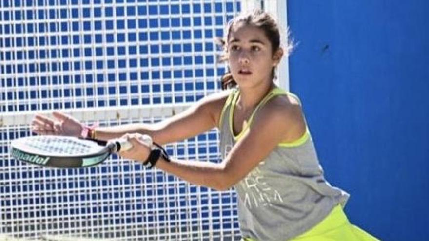 Elena Ferreira, de Zamora, ganadora del Autonómico de Pádel de Menores de la Comunidad Valenciana
