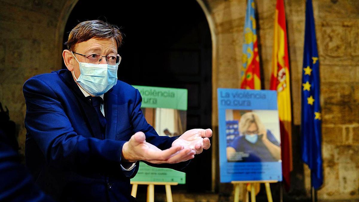 Ximo Puig participó en la campaña de concienciación frente a las agresiones a los sanitarios. | EFE/J. C. CARDENAS